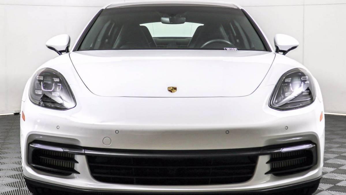2018 Porsche Panamera WP0AE2A77JL129138