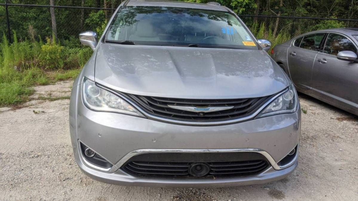 2018 Chrysler Pacifica Hybrid 2C4RC1N7XJR145063