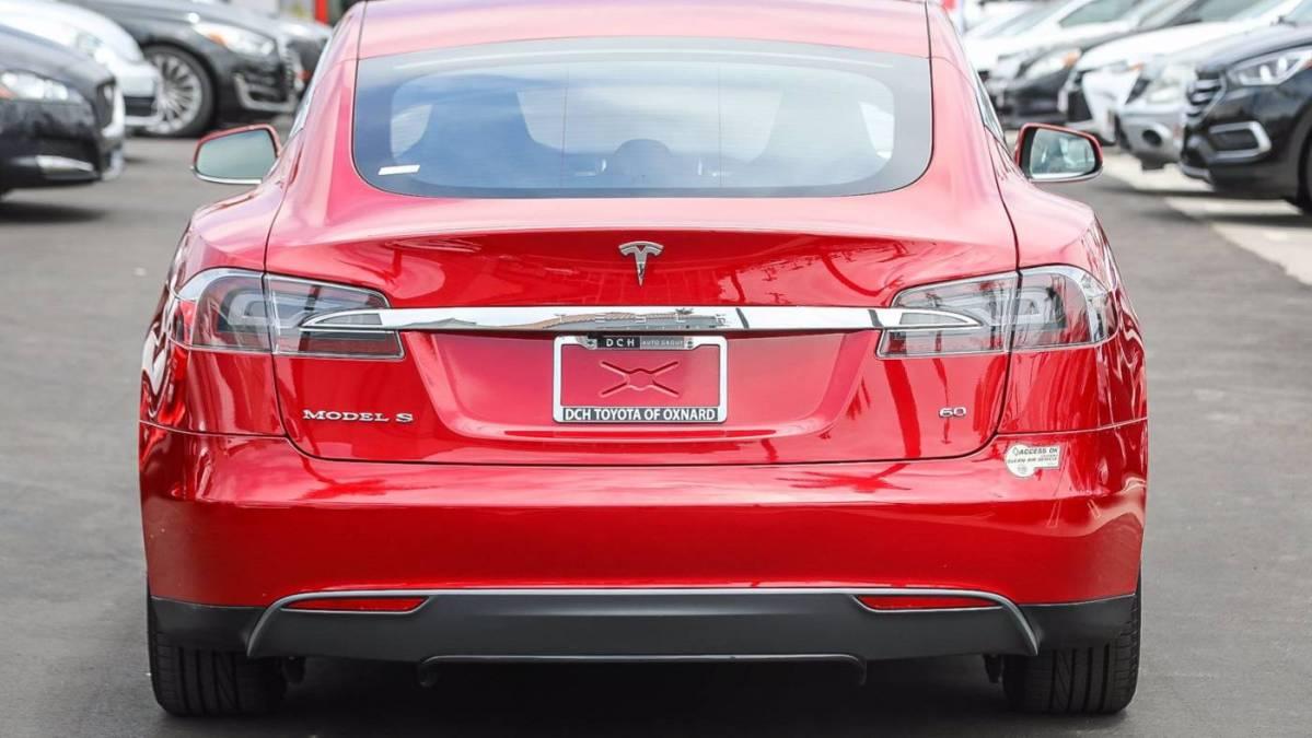 2013 Tesla Model S 5YJSA1CG7DFP09391