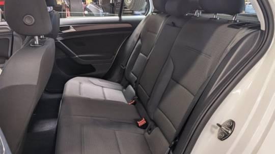 2018 Volkswagen e-Golf WVWKR7AU6JW906936