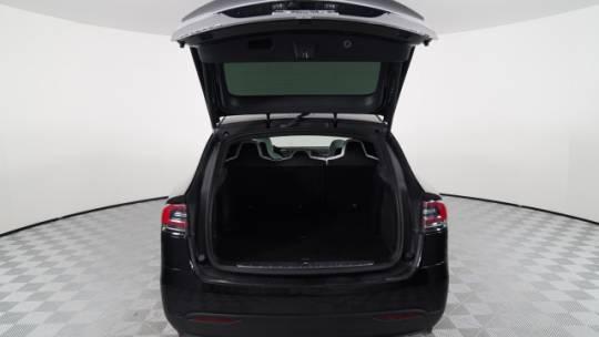 2018 Tesla Model X 5YJXCDE25JF088182