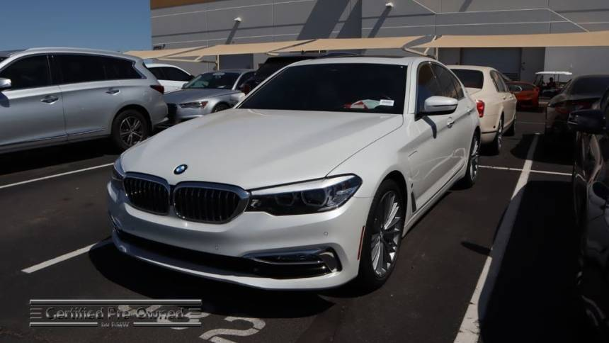 2018 BMW 5 Series WBAJA9C54JB250213
