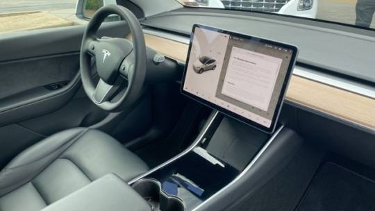 2021 Tesla Model Y 5YJYGDEE6MF086495