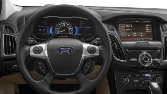 2018 Ford Focus 1FADP3R45JL200074