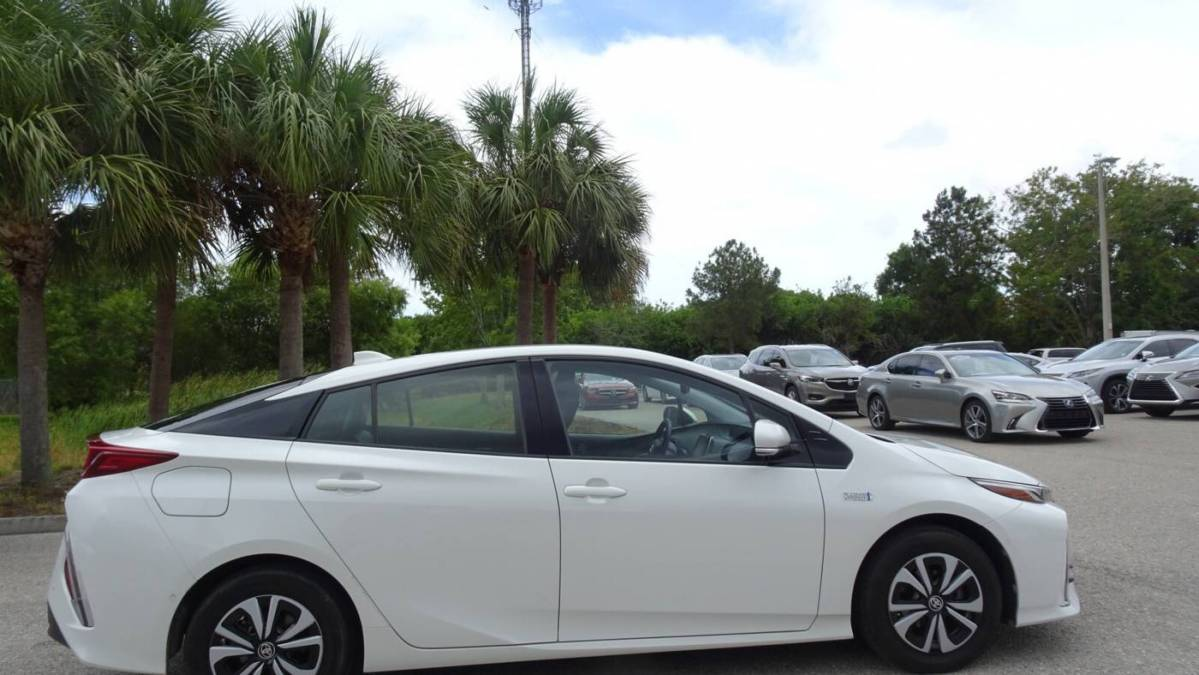 2017 Toyota Prius Prime JTDKARFP8H3004693