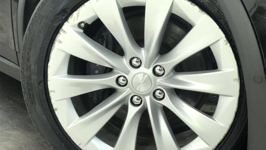 2018 Tesla Model X 5YJXCAE20JF088685