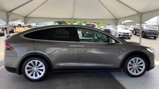 2016 Tesla Model X 5YJXCBE42GF000414