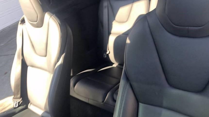 2019 Tesla Model X 5YJXCBE44KF180861