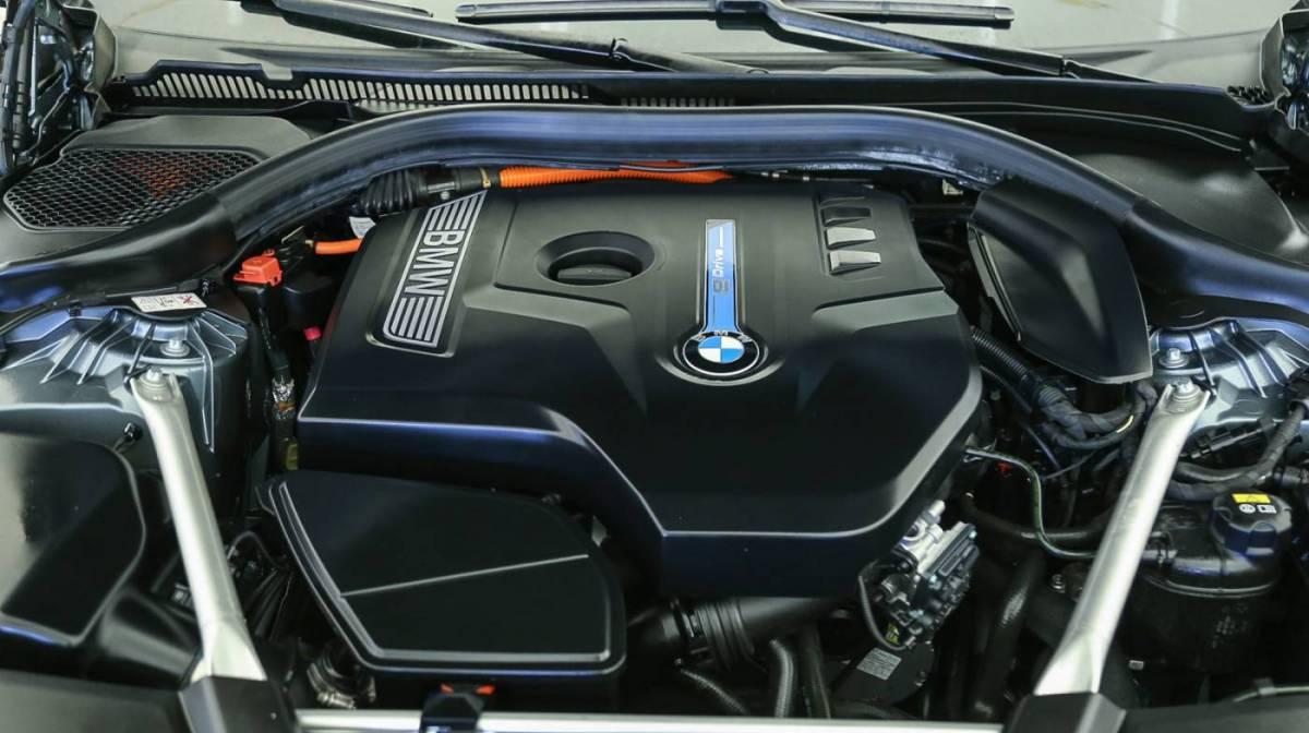 2018 BMW 5 Series WBAJA9C59JB249381