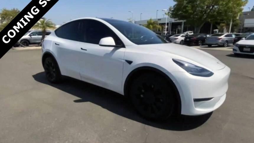 2021 Tesla Model Y 5YJYGDEE4MF095616