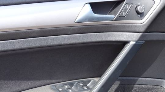2016 Volkswagen e-Golf WVWKP7AU6GW907874