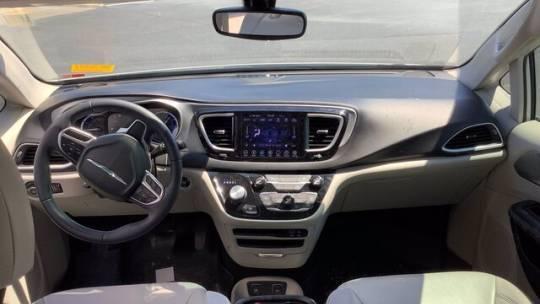 2018 Chrysler Pacifica Hybrid 2C4RC1L78JR183457