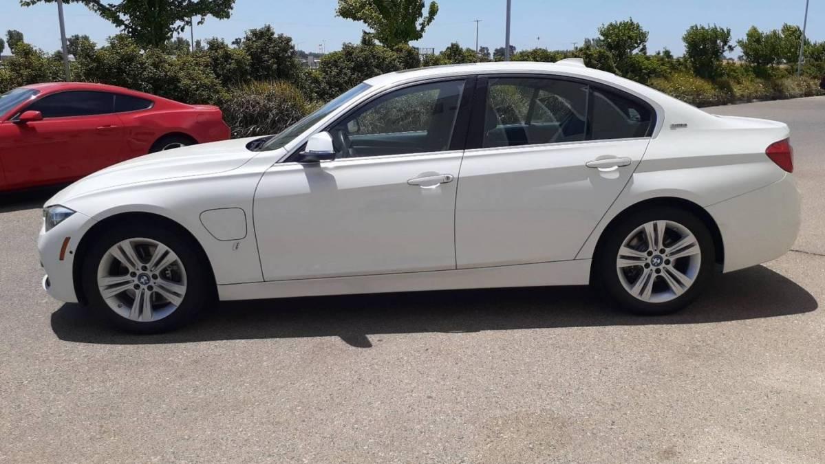2017 BMW 3 Series WBA8E1C51HK895187