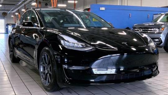2019 Tesla Model 3 5YJ3E1EAXKF409844