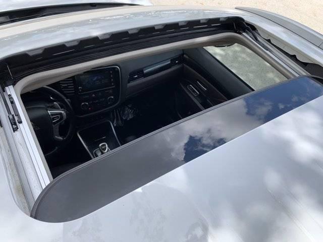 2018 Mitsubishi Outlander PHEV JA4J24A55JZ057575