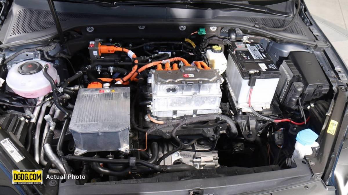 2017 Volkswagen e-Golf WVWPR7AU5HW954072