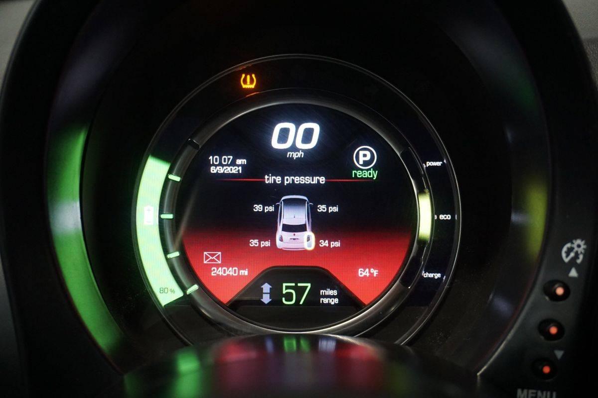 2017 Fiat 500e 3C3CFFGE1HT647980