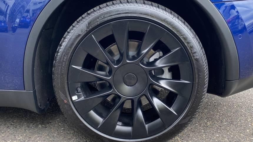 2020 Tesla Model Y 5YJYGDEE2LF055209