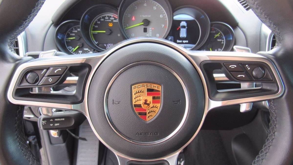 2018 Porsche Cayenne WP1AE2A22JLA70857