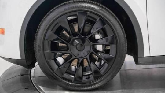 2020 Tesla Model Y 5YJYGDEE6LF040583