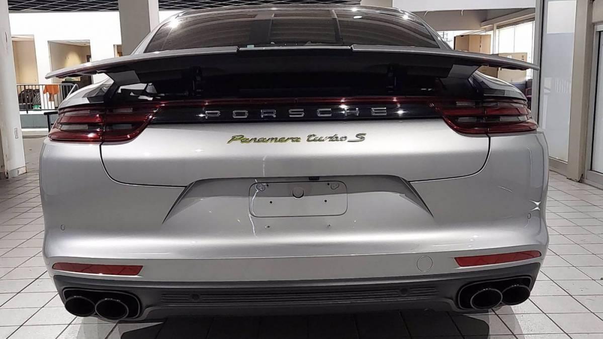 2018 Porsche Panamera WP0AH2A77JL144939