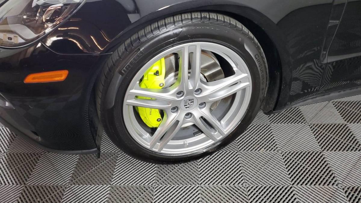 2018 Porsche Panamera WP0AE2A71JL130057