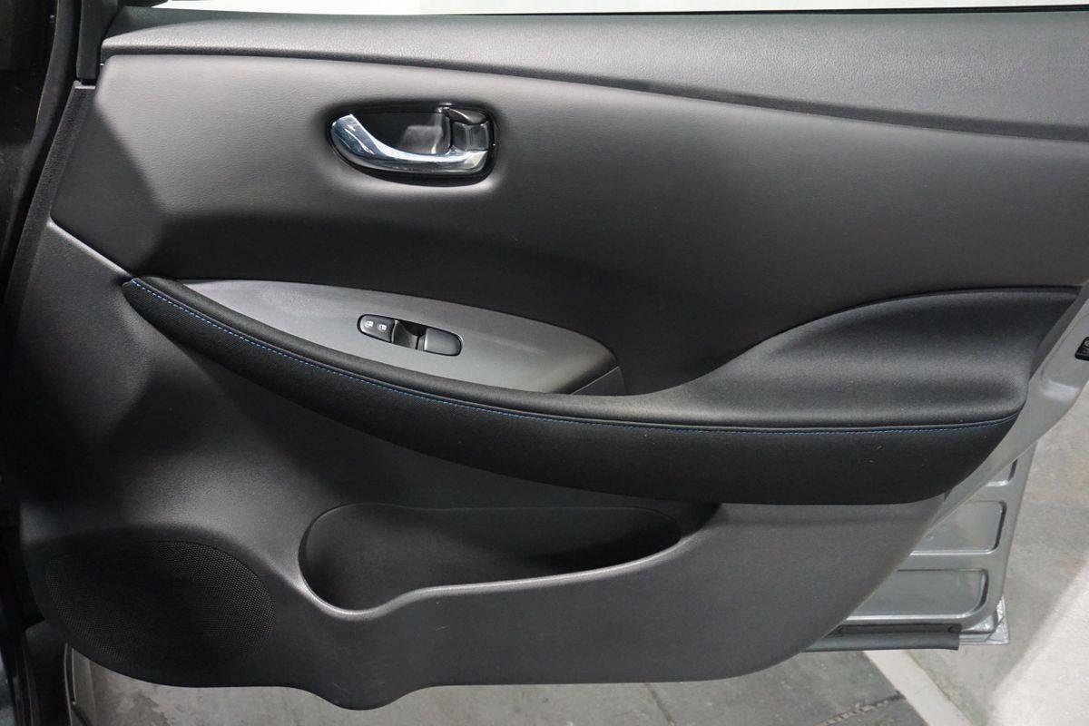 2018 Nissan LEAF 1N4AZ1CP7JC310189