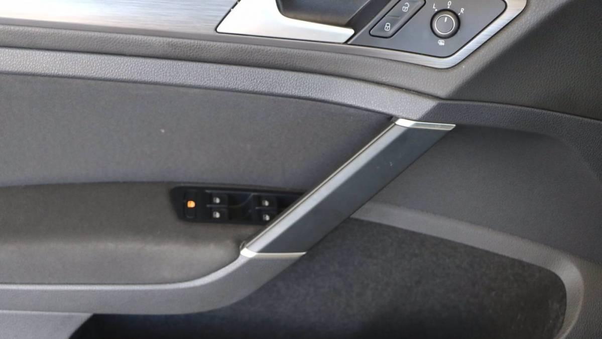 2019 Volkswagen e-Golf WVWKR7AU6KW902872