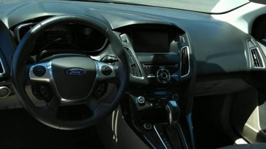 2015 Ford Focus 1FADP3R42FL314945