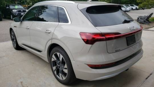 2021 Audi e-tron WA1LAAGE3MB013251
