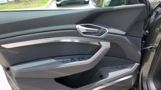 2021 Audi e-tron WA12AAGE2MB005749