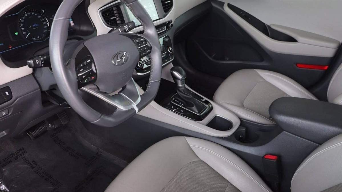 2018 Hyundai IONIQ KMHC75LD0JU075694
