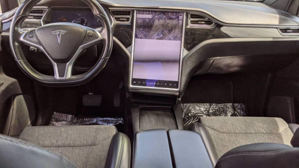 2017 Tesla Model X 5YJXCDE24HF044779