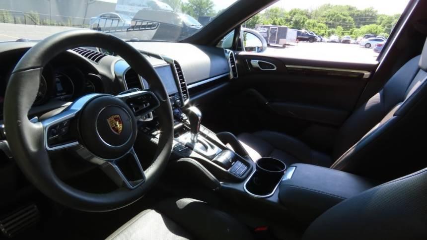 2018 Porsche Cayenne WP1AE2A2XJLA70427