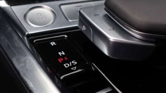 2019 Audi e-tron WA1LAAGE1KB023595