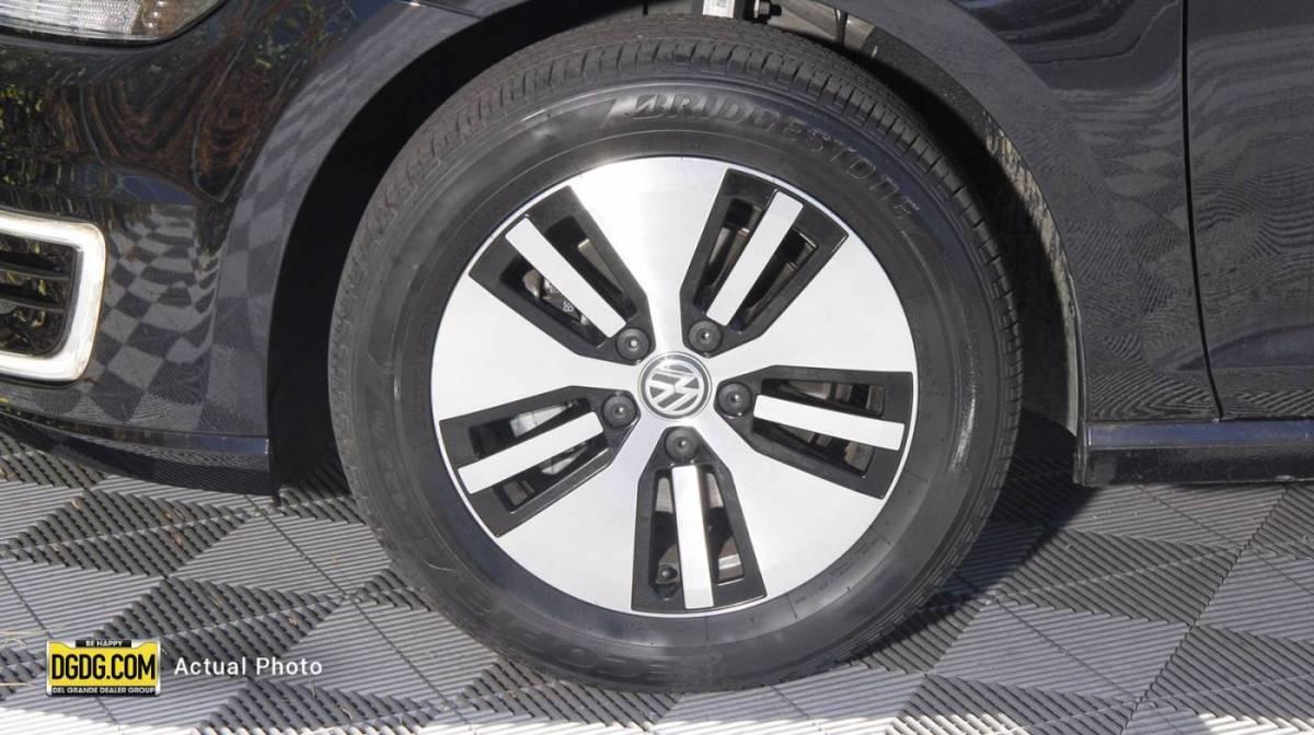 2019 Volkswagen e-Golf WVWKR7AU1KW913083