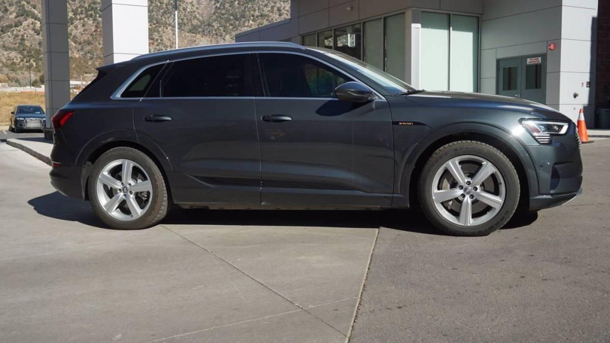 2019 Audi e-tron WA1LABGE3KB012278