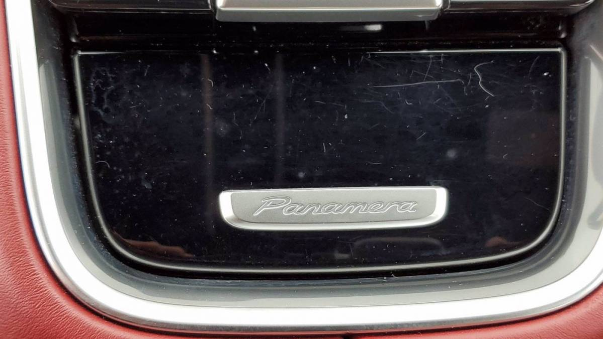 2018 Porsche Panamera WP0AE2A73JL130318