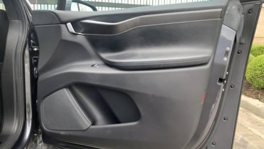 2016 Tesla Model X 5YJXCAE44GF000537
