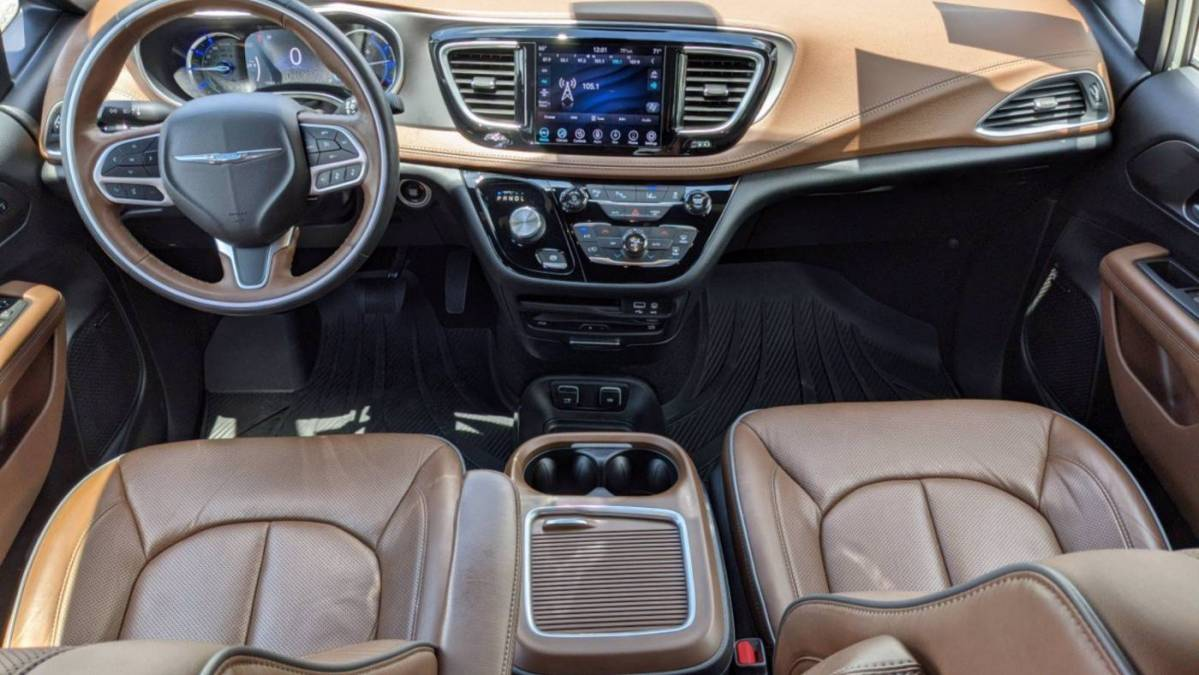 2020 Chrysler Pacifica Hybrid 2C4RC1N72LR130060