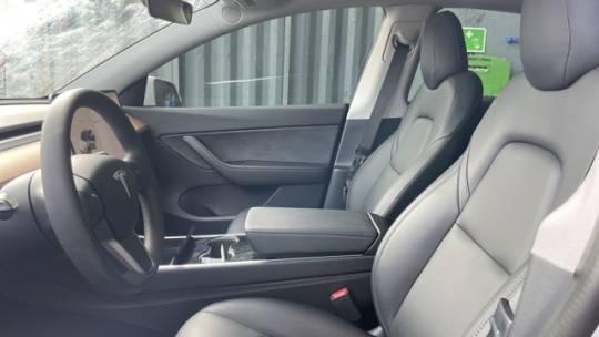 2020 Tesla Model Y 5YJYGDEE8LF006581