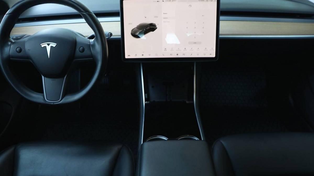 2019 Tesla Model 3 5YJ3E1EAXKF399591