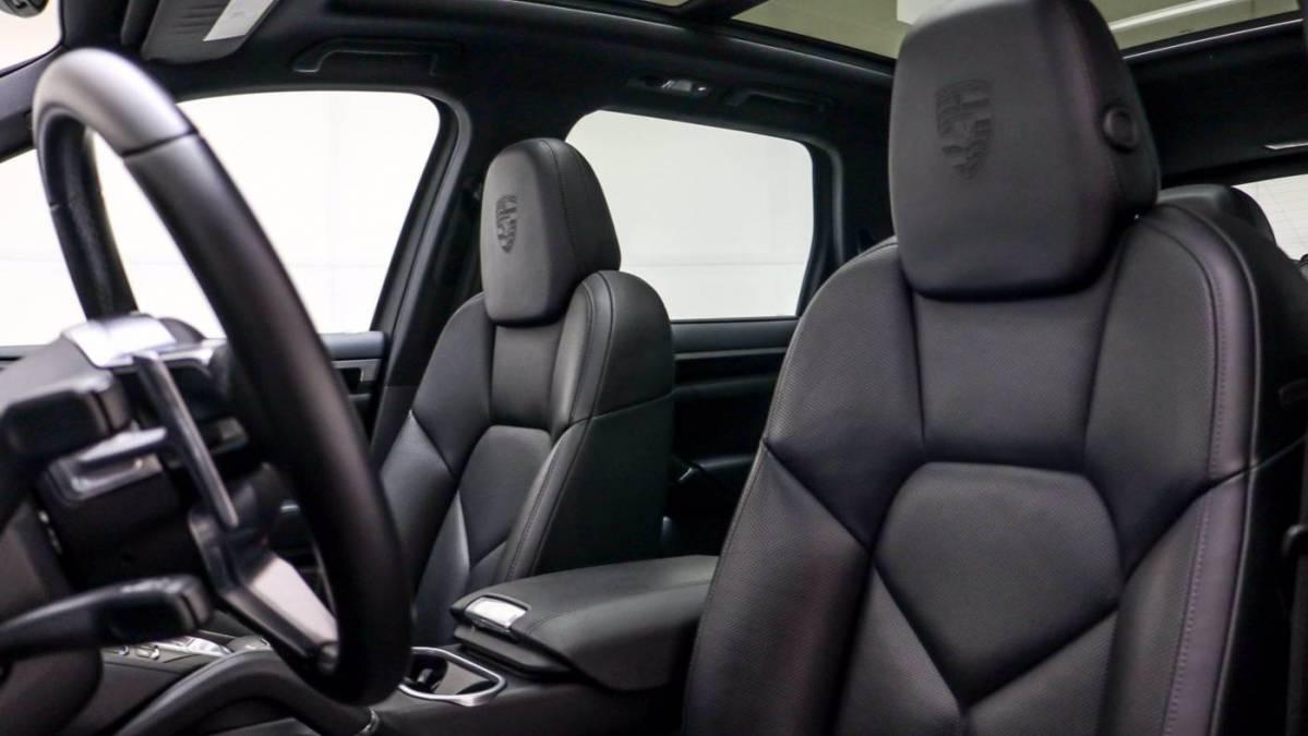 2017 Porsche Cayenne WP1AE2A22HLA73557