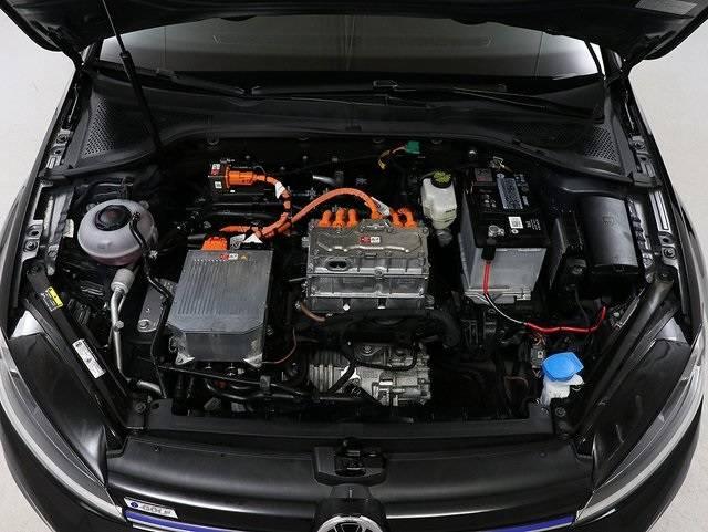 2017 Volkswagen e-Golf WVWKR7AUXHW954434