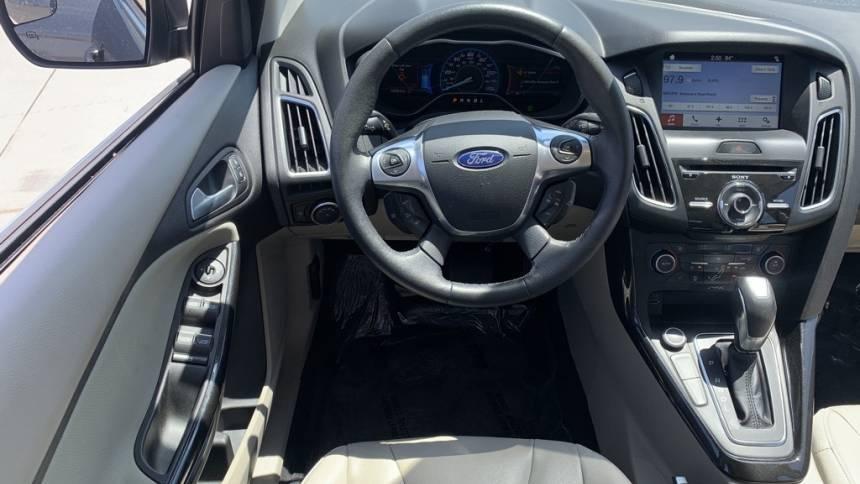 2017 Ford Focus 1FADP3R45HL325375