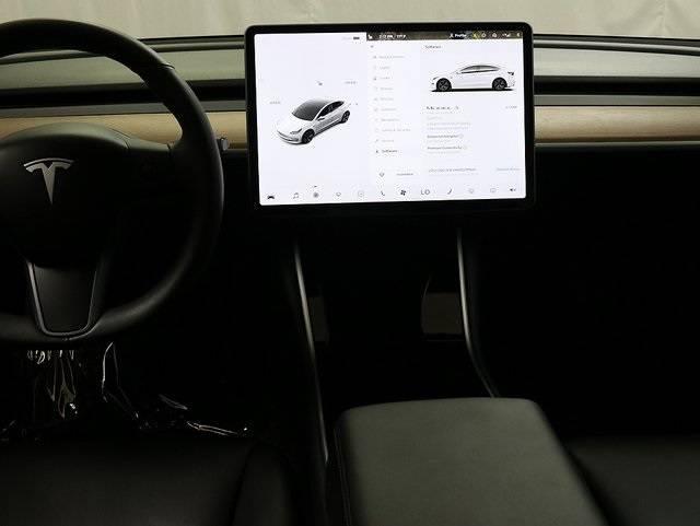 2018 Tesla Model 3 5YJ3E1EA0JF153082