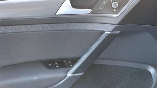 2017 Volkswagen e-Golf WVWKR7AU6HW954124