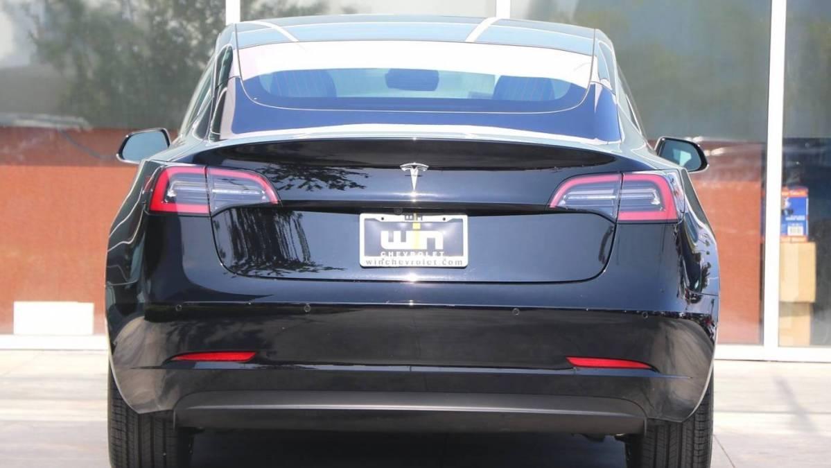 2019 Tesla Model 3 5YJ3E1EA5KF305486