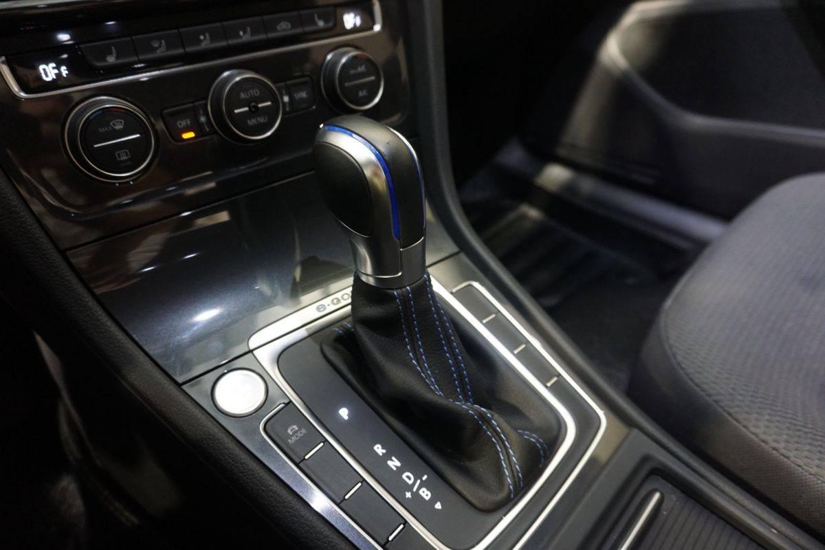 2019 Volkswagen e-Golf WVWKR7AU9KW913431