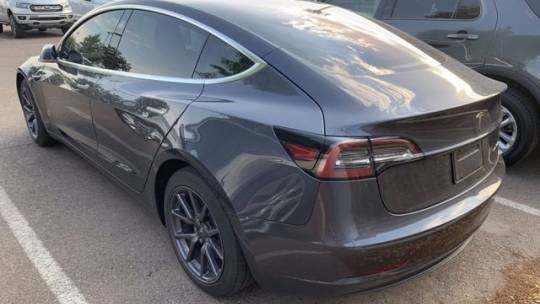 2019 Tesla Model 3 5YJ3E1EB3KF205735